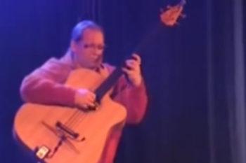 video stoll legendary acoustic bass