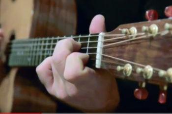 video nylon string guitar alegra